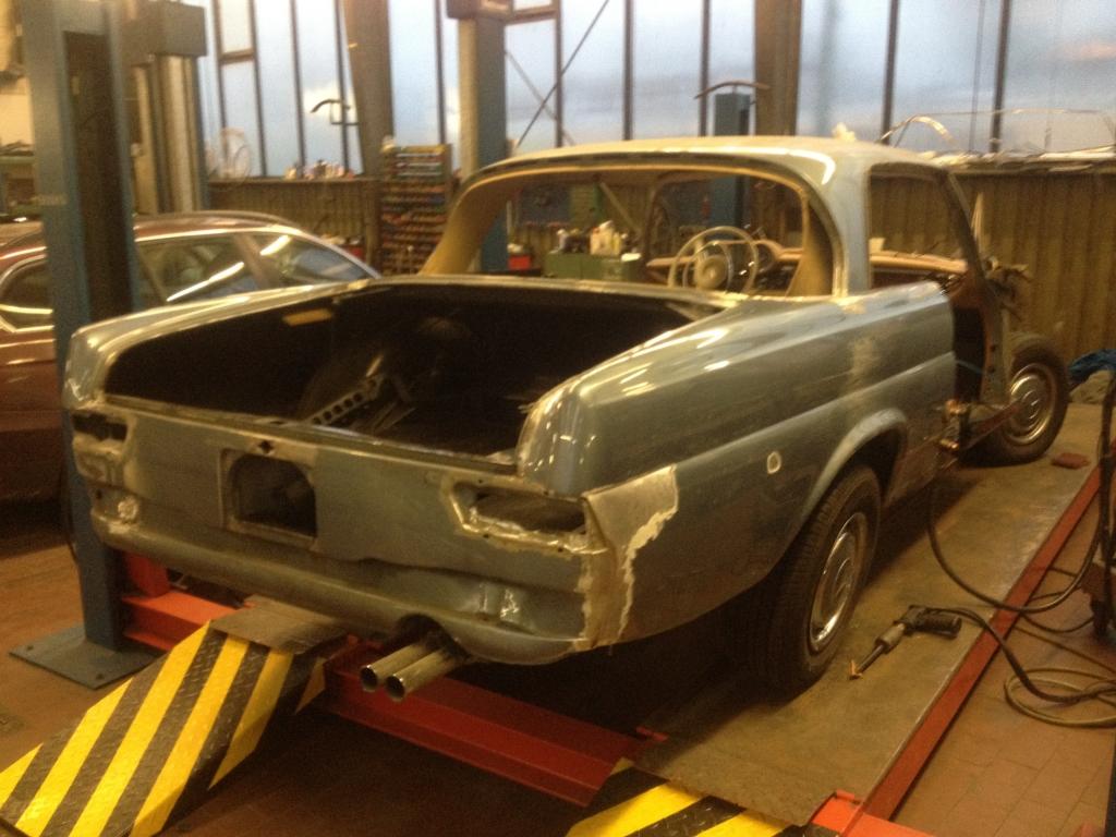 Freier Mercedes-Benz Fahrzeuge Karosseriebau Berlin - Unfallschaden Beseitigung, Oldtimer Restaurationen