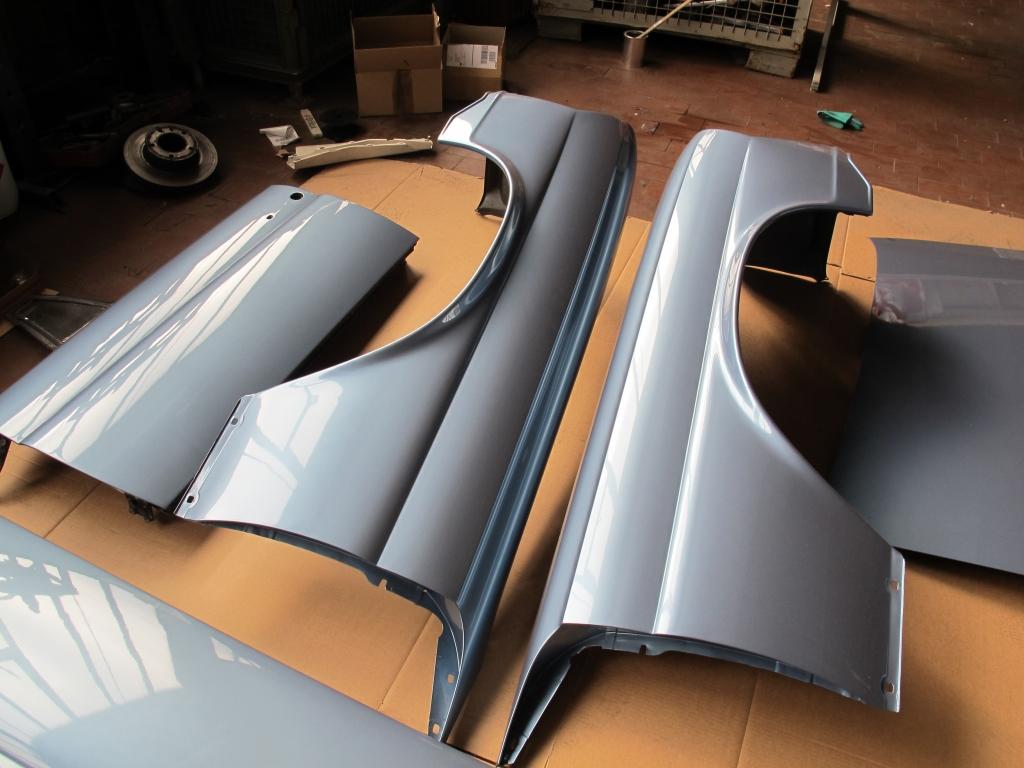 Mercedes Fahrzeugteile lackieren