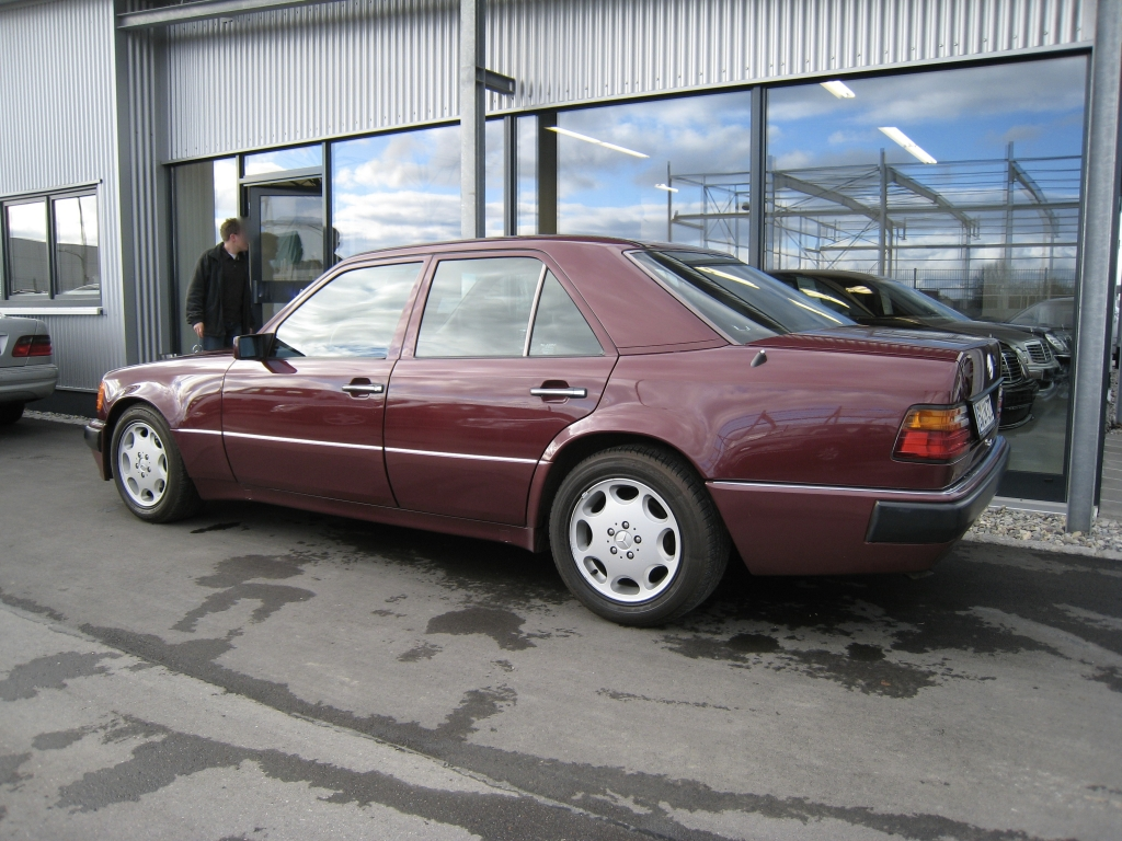 W124 E500 Mercedes-Benz