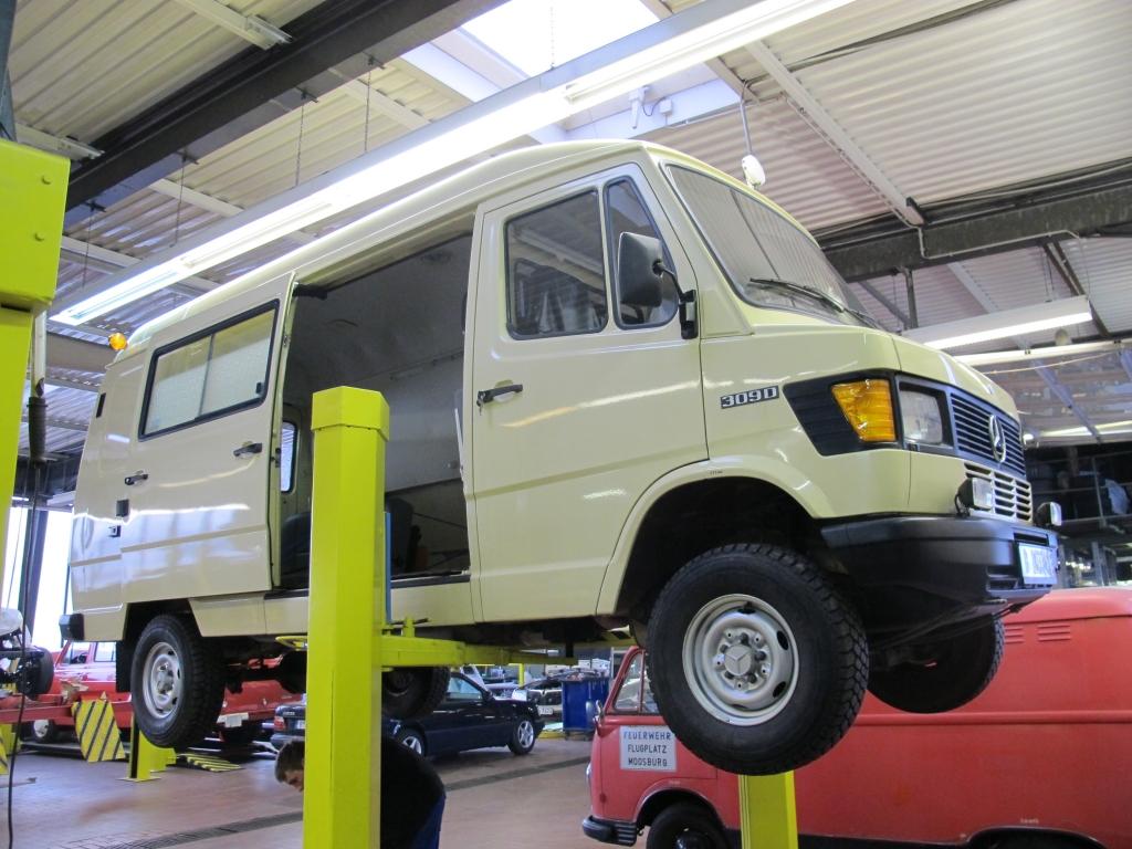Bremer Transporter Mercedes-Benz